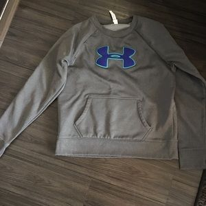 Under armour crew neck sweat shirt. Cold gear. L.